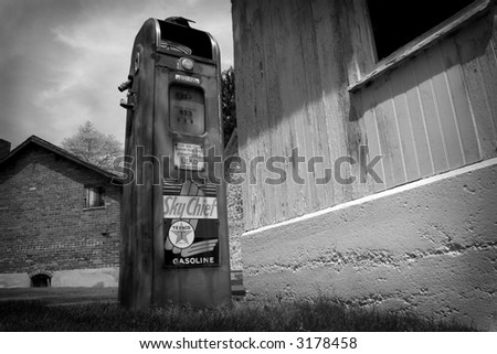black & white vintage gas pump