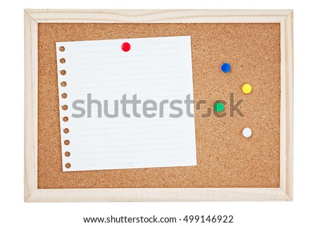 Blank note and marker or pin of different colors on the corkboard