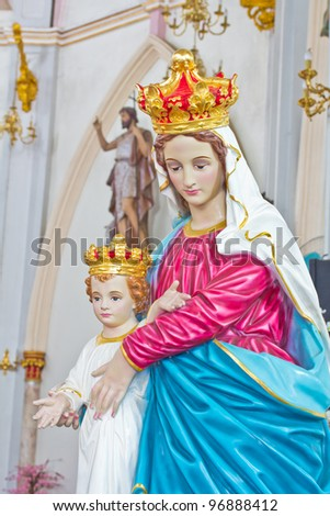Blessed Virgin Mary with baby Jesus in thailand