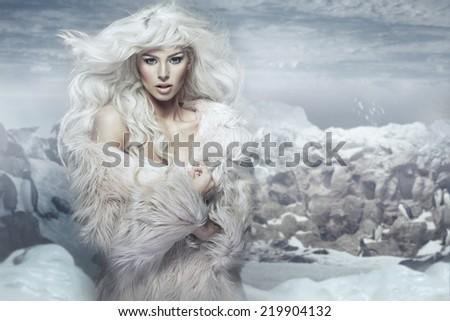 Blond beauty woman - stock photo