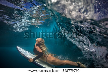 Bikini dive lessons