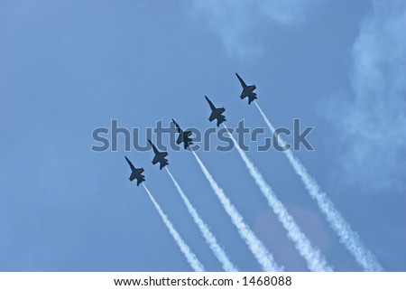 Blue Angels Line Formation Pull Up