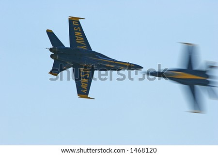 Blue Angels Solos Opposing Pass