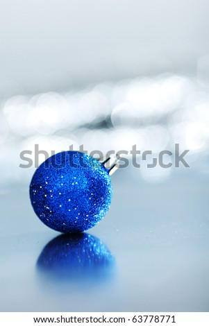 blue christmas ball macro