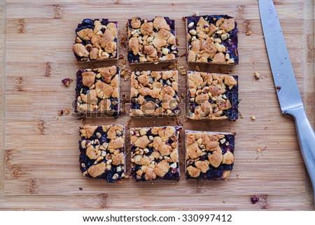 Blueberry hazelnut crumble bars, cake slices