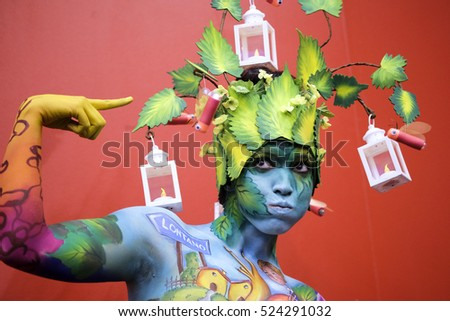 bodypainting nature theme