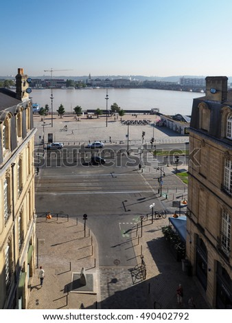 BORDEAUX, GIRONDE/FRANCE - SEPTEMBER 21 : View from Porte Cailhau (Palace Gate) in Bordeaux on September 21, 2016. Unidentified people