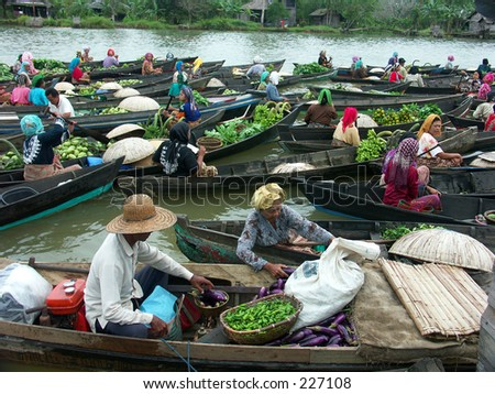 Borneo Floating market, best tourism at Borneo.