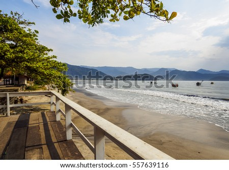 Brazil, State of Sao Paulo, Ubatuba, View of the Itagua Beach.