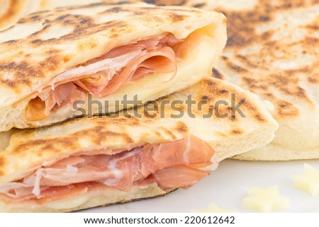 bread in pan with ham