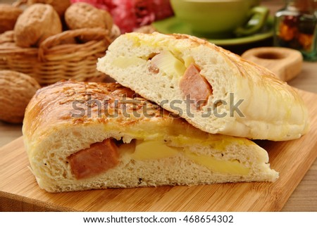 Bread stuffed with sausage and cheese