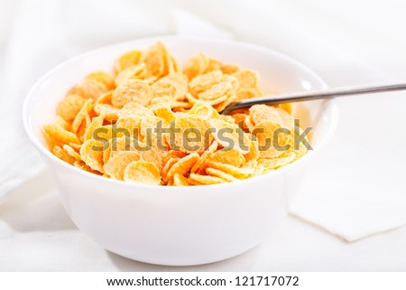 breakfast with corn flakes