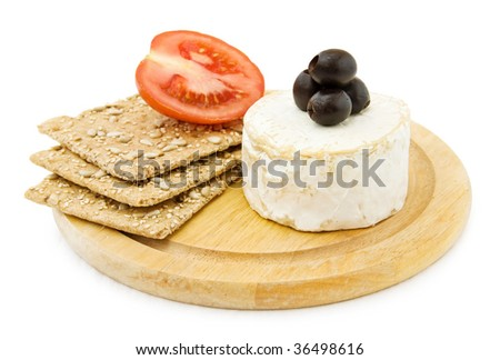 Brie cheese and crackers