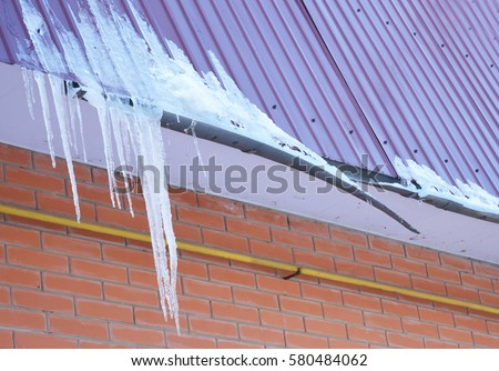 Roof Rain Spout Amp Correct Downspout Installation On Lower Roof