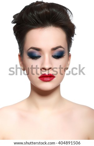 Brown Hair. Beautiful Woman with Healthy Short Hair and  evening make-up