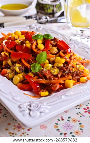Brown rice with red bell pepper, corn, carrot and Basil
