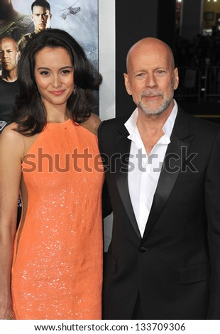 """Bruce Willis & Emma Heming at the Los Angeles premiere of his movie """"G.I. Joe: Retaliation"""" at the Chinese Theatre, Hollywood. March 28, 2013  Los Angeles, CA Picture: Paul Smith - stock photo"""