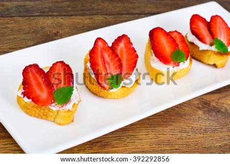 Bruschetta with Goat Cheese and Strawberry, Mint Studio Photo
