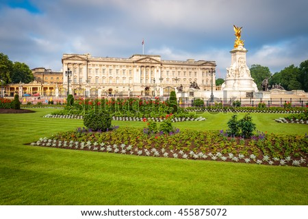 Buckingham Palace with beautiful blue sky in London, Uk.