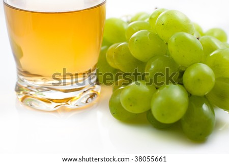 Bunch of grapes and grape juice