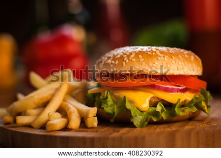 burger with chips
