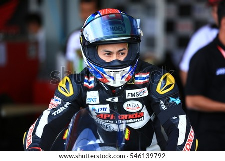 BURIRAM,THAILAND-DECEMBER 3: Vorapong Malahuan of AP Honda Racing prepare before race during qualify at ASIA ROAD RACING CHAMPIONSHIP at Chang International Circuit on DECEMBER 3,2016 inThailand.