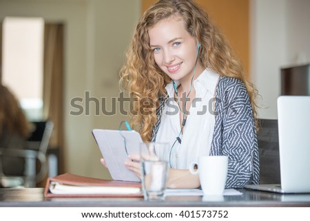 business student e-learning - stock photo
