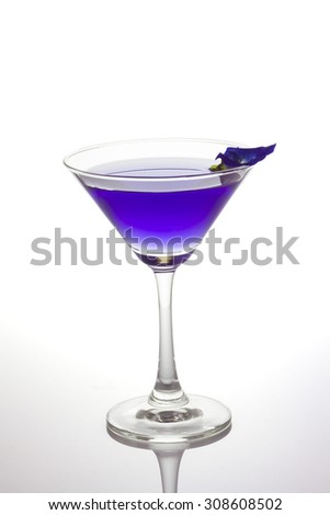 Butterfly pea flower juice in cocktail glass that is qualify as an antioxidant, clipping path included