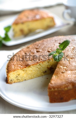 Cake with mint