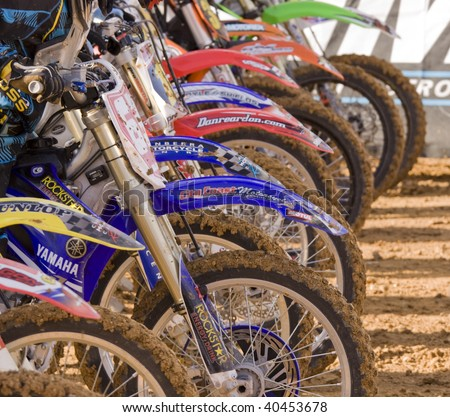 CANBERRA, AUSTRALIA - NOVEMBER 7: The line-up before the race at the Australian Super X championships in Canberra, Australia on November 7, 2009 - stock photo