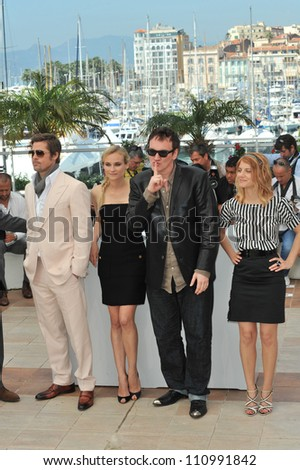 """CANNES, FRANCE - MAY 20, 2009: Brad Pitt, Diane Kruger, Quentin Tarantino & Melanie Laurent at the photocall for their new movie """"Inglourious Basterds"""" in competition at the 62nd Festival de Cannes. - stock photo"""