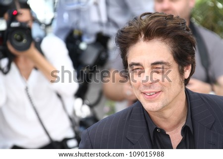 CANNES, FRANCE - MAY 23: Director Benicio Del Toro attends ' 7 Dias en la Habana' Photocal at Palais des Festivals on May 23, 2012 in Cannes, France.