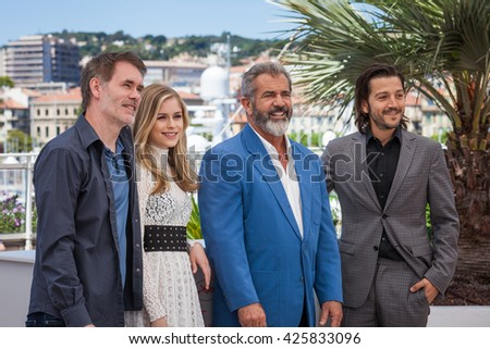 Cannes, France - 21 MAY 2016 - Jean-Francois Richet, Erin Moriarty, Mel Gibson and Diego Luna attend the 'Blood Father' Photocall during the 69th annual Cannes Film Festival