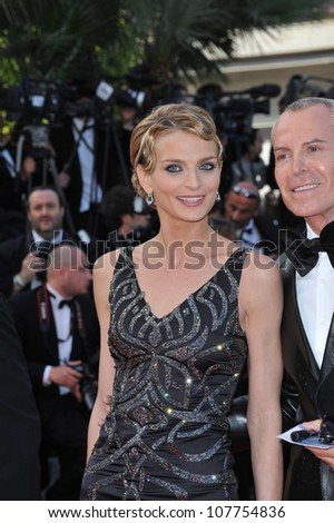"CANNES, FRANCE - MAY 14, 2010: Sarah Marshall & Jean-Claude Jitrois at the premiere screening of ""Wall Street: Money Never Sleeps"" at the 63rd Festival de Cannes."