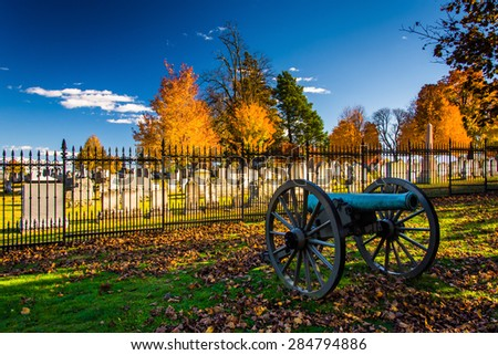 Cannon and a cemetery at Gettysburg, Pennsylvania.