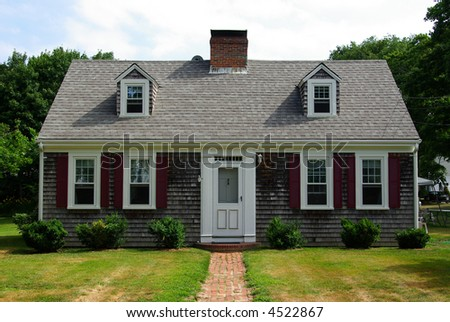 cape cod style house in cape cod massachusetts - Cape Cod Style House Colors