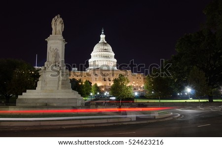 capitol hill and the peace monument at night