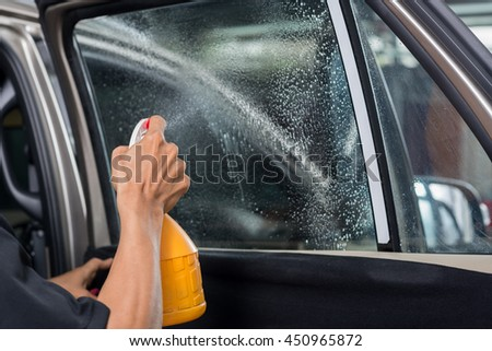 Car window tinting series : Moisten window glass before installation