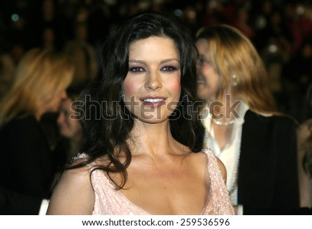 "Catherine Zeta-Jones at the ""Ocean's Twelve"" Los Angeles Premiere held at the Grauman's Chinese Theater in Los Angeles, California, United States on December 8, 2004. - stock photo"