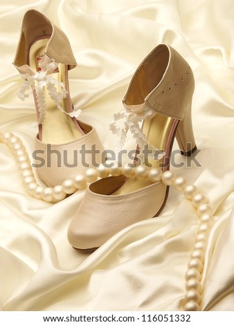 Ceremony shoes and decoration