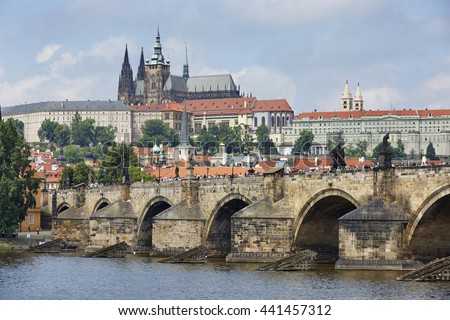 Charles Bridge over the Vitava River with Prague Castle, Prague, Czech Republic