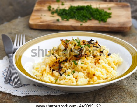 KasNocken (Austrian Spaetzle With Cheese And Caramelized ...