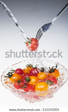 cherry_tomatoes under the water
