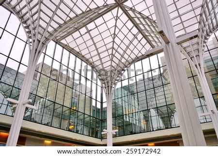CHICAGO, IL -1 MARCH 2015- Editorial: The main campus of the highly-ranked University of Chicago Booth School of Business is located in the Hyde Park neighborhood of Chicago. - stock photo