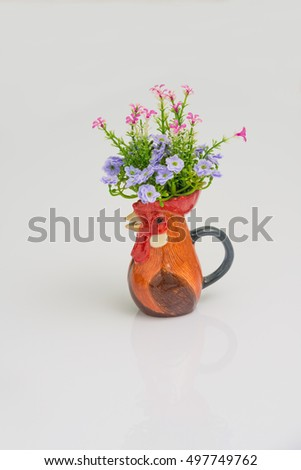chicken vase in white background