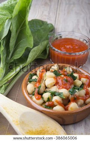 chickpeas with spinach and tomato