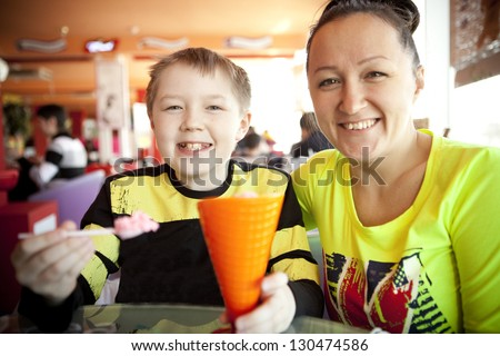 Child eating. - stock photo