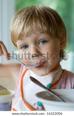 child eating - stock photo