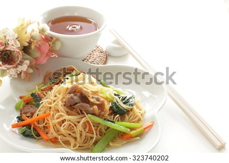 Chinese food, assorted vegetable with pork Fried rice noodle