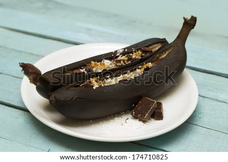 Chocolate Baked Banana Boats
